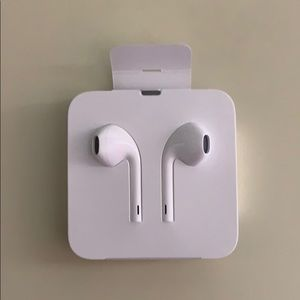 apple head phones
